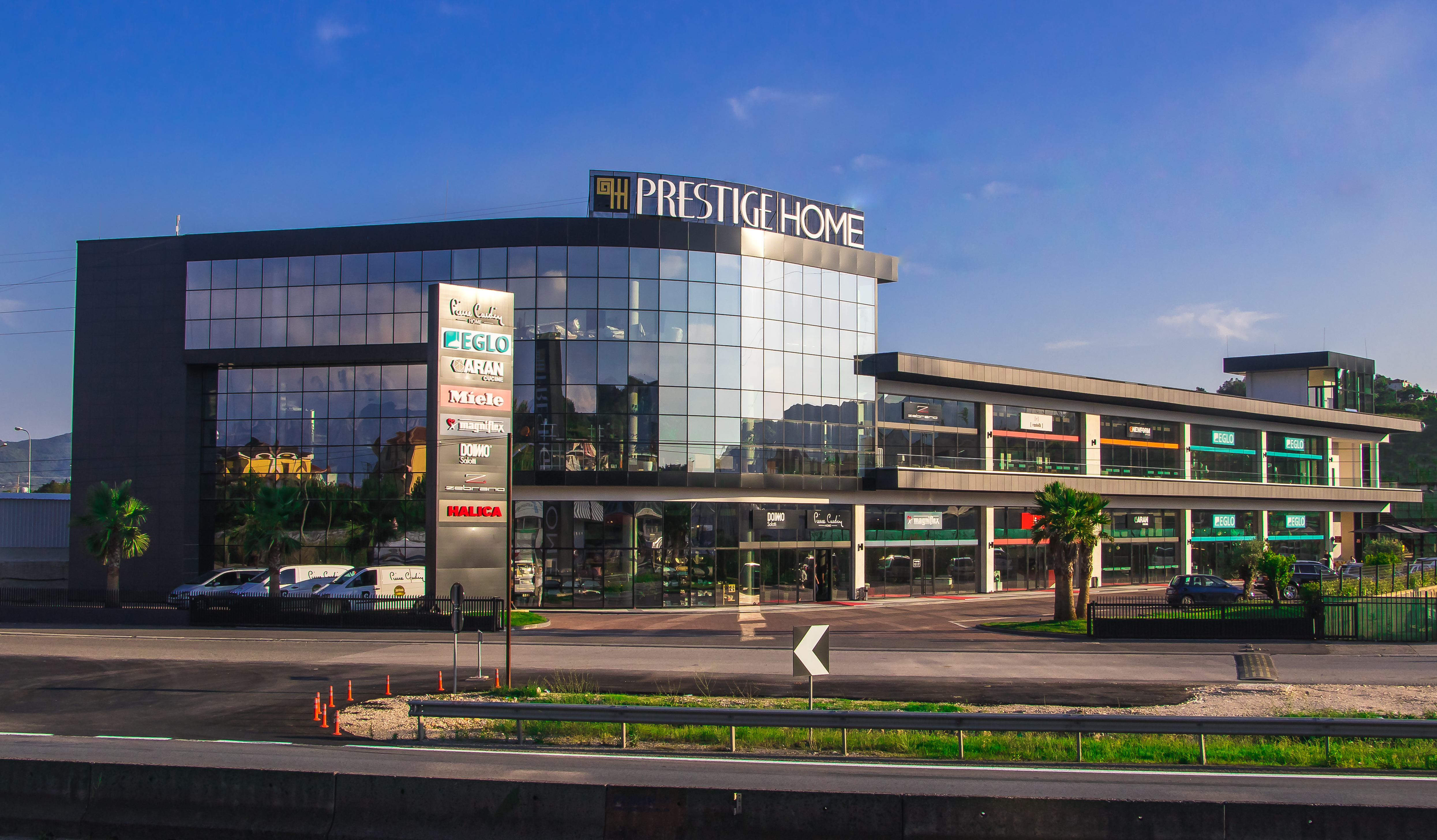 About Us Prestige Home Albania Tekaaa Is The First And Only Center In Exclusively Dedicated To Products Services Of Lines Interior Design